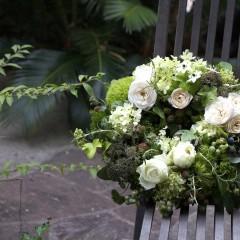 白バラとブルーベリーのフレッシュリース